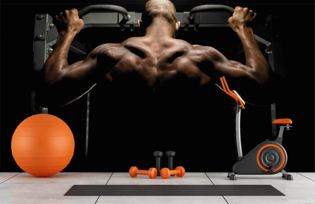 Fitness - Man met een gespierde rug - Garage 8