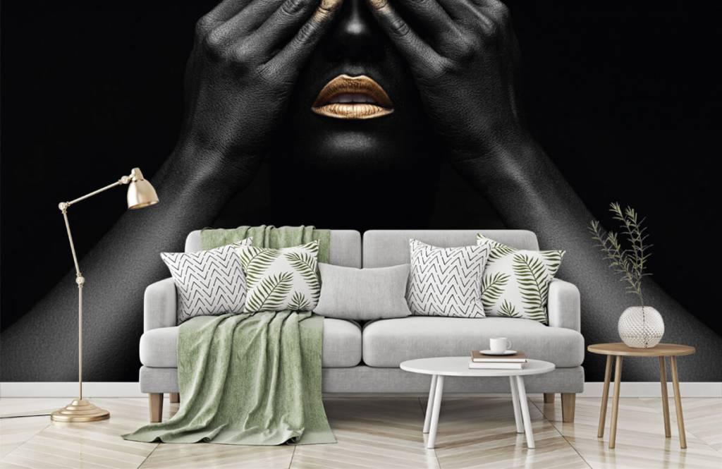 Modern behang - Vrouw met handen voor haar ogen - Woonkamer 7