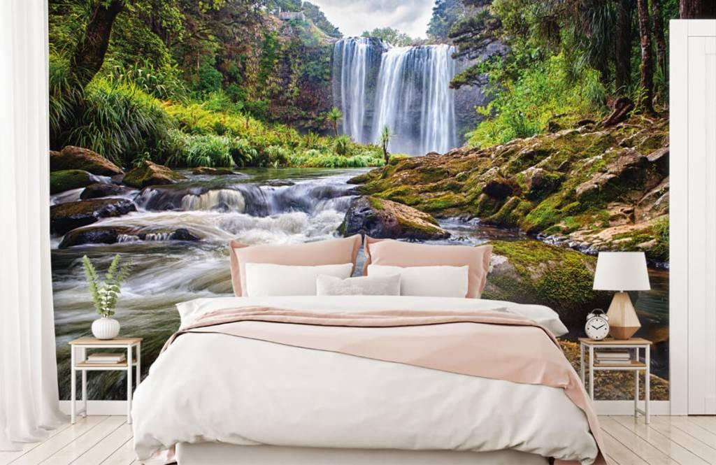 Watervallen - Waterval met stenen - Directie 2