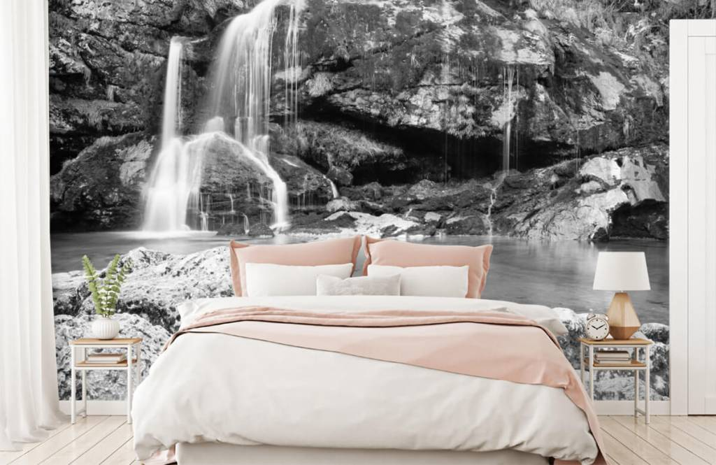 Zwart Wit behang - Waterval over een stenen wand - Slaapkamer 2