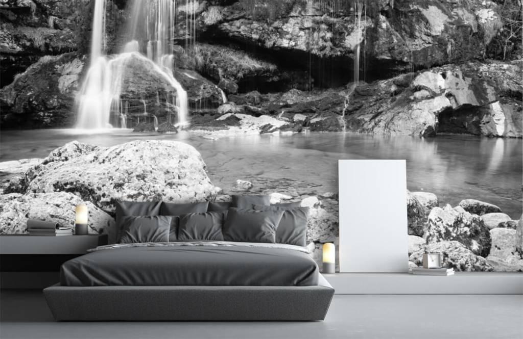 Zwart Wit behang - Waterval over een stenen wand - Slaapkamer 3