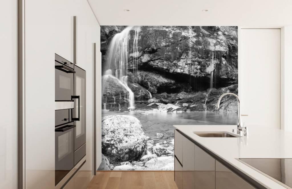 Zwart Wit behang - Waterval over een stenen wand - Slaapkamer 4