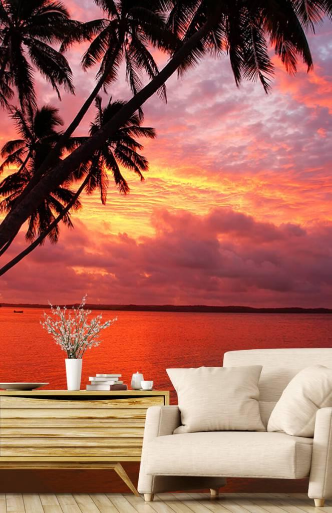 Zomer behang - Palmbomen over een rode oceaan - Slaapkamer 2