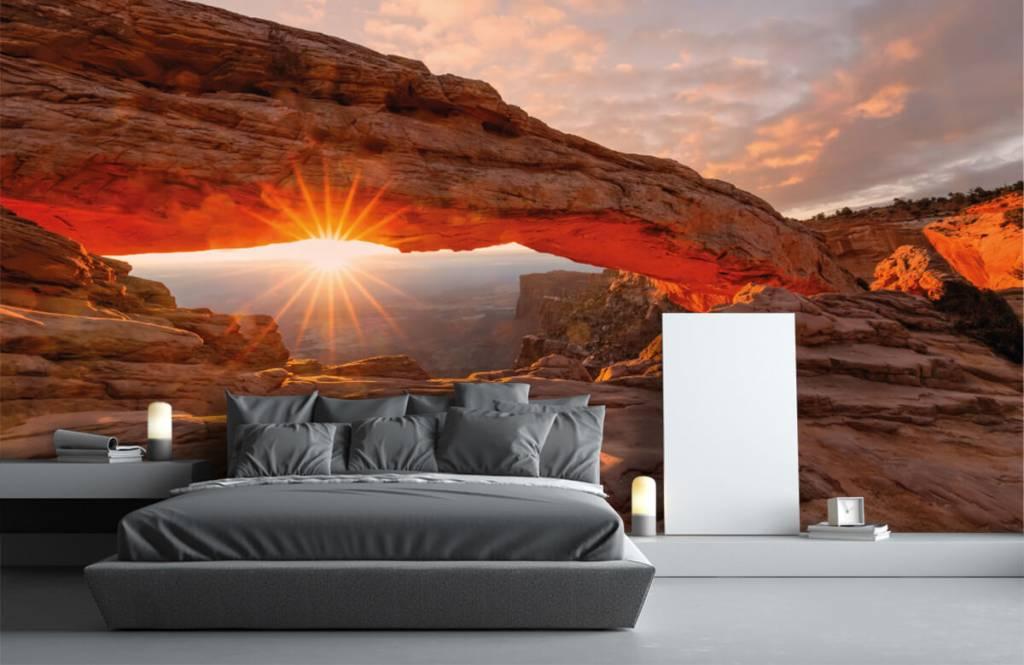 Bergen - Zonsondergang onder rotsen - Slaapkamer 2