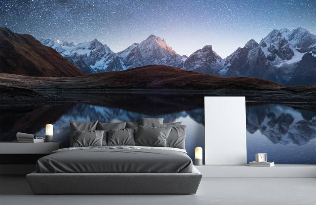 Winter - Bergen met sneeuw bij nacht - Slaapkamer 2