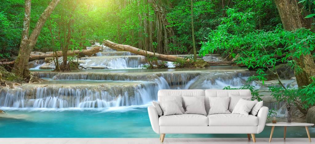 Watervallen - Brede waterval in het bos - Kantine 4