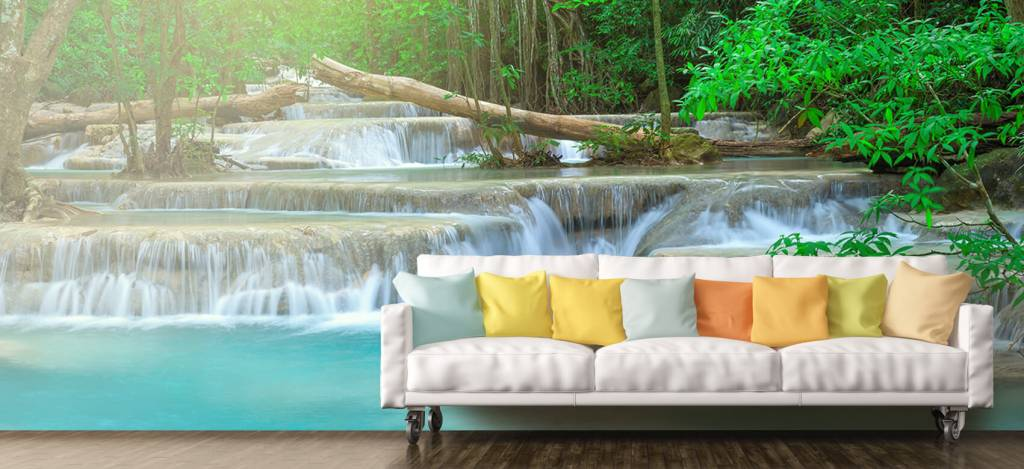 Watervallen - Brede waterval in het bos - Kantine 8