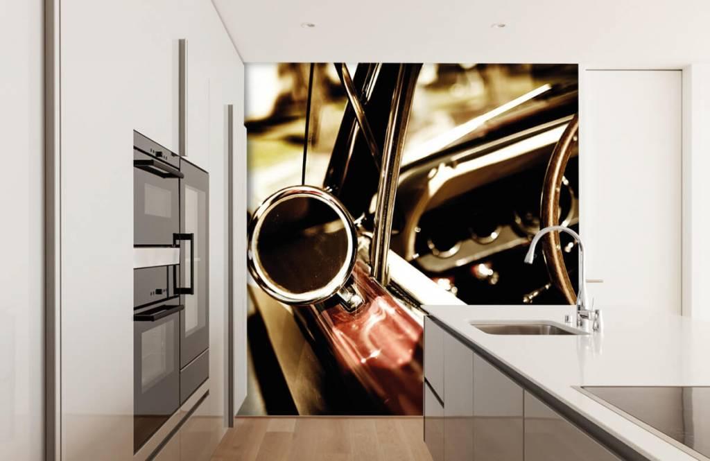 Transport - Close-up rode klassieke auto - Slaapkamer 4