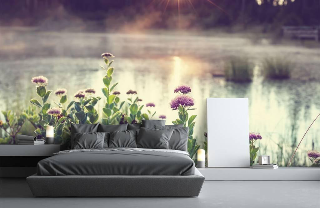 Landschap - Dampend meer met bloemen - Slaapkamer 3