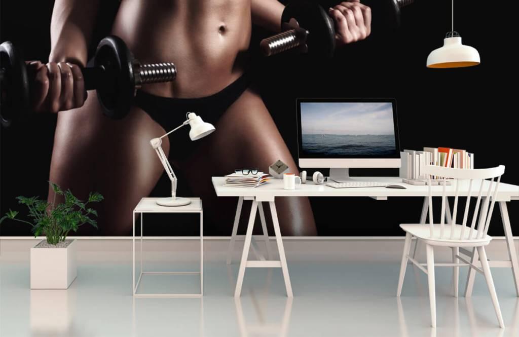Sport en Fitness - Vrouw met buikspieren - Garage 2