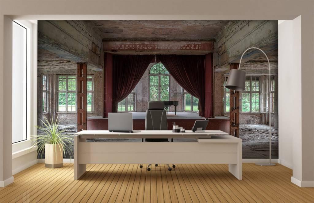 Gebouwen - Piano in oud sanatorium - Woonkamer 3