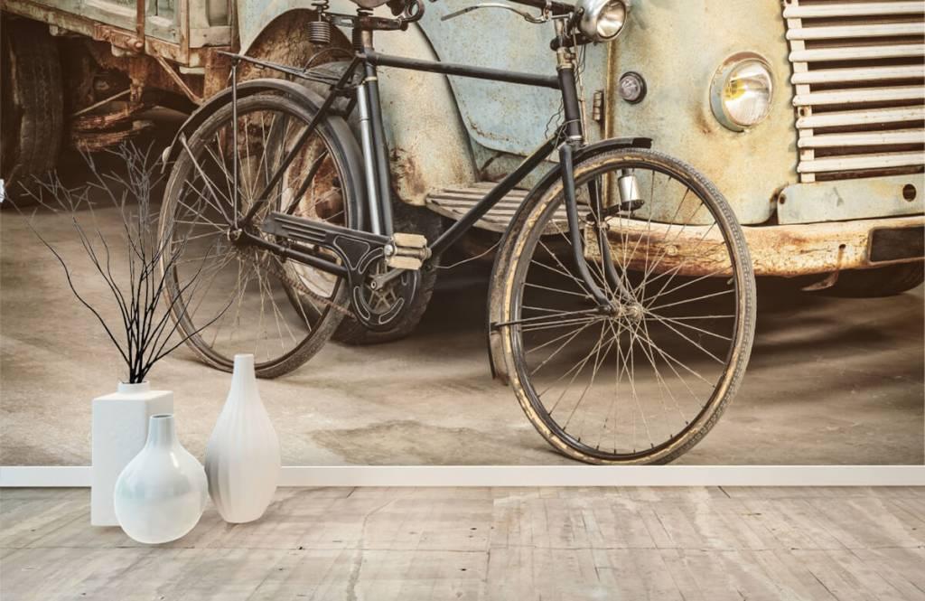 Retro behang - Retro oude fiets met vrachtwagen - Slaapkamer 8