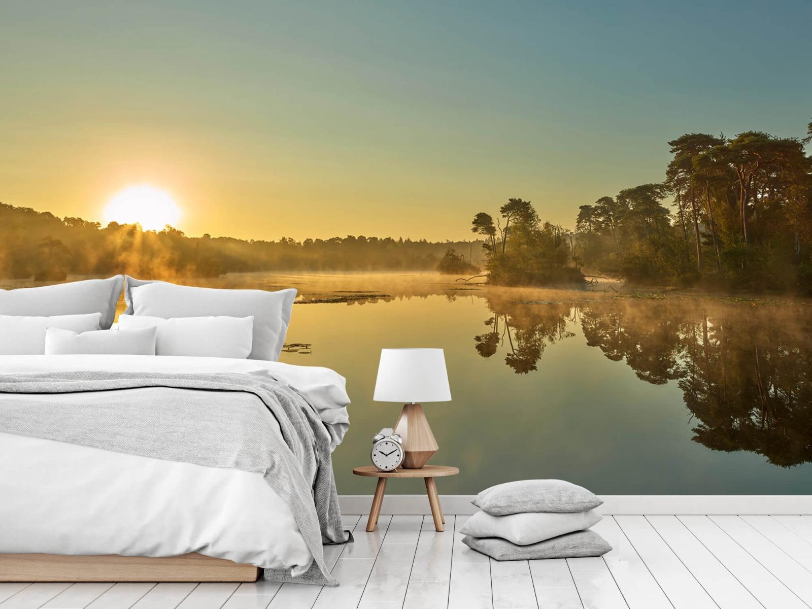 Mist - Zonsopkomst bij bosmeer - Slaapkamer 14