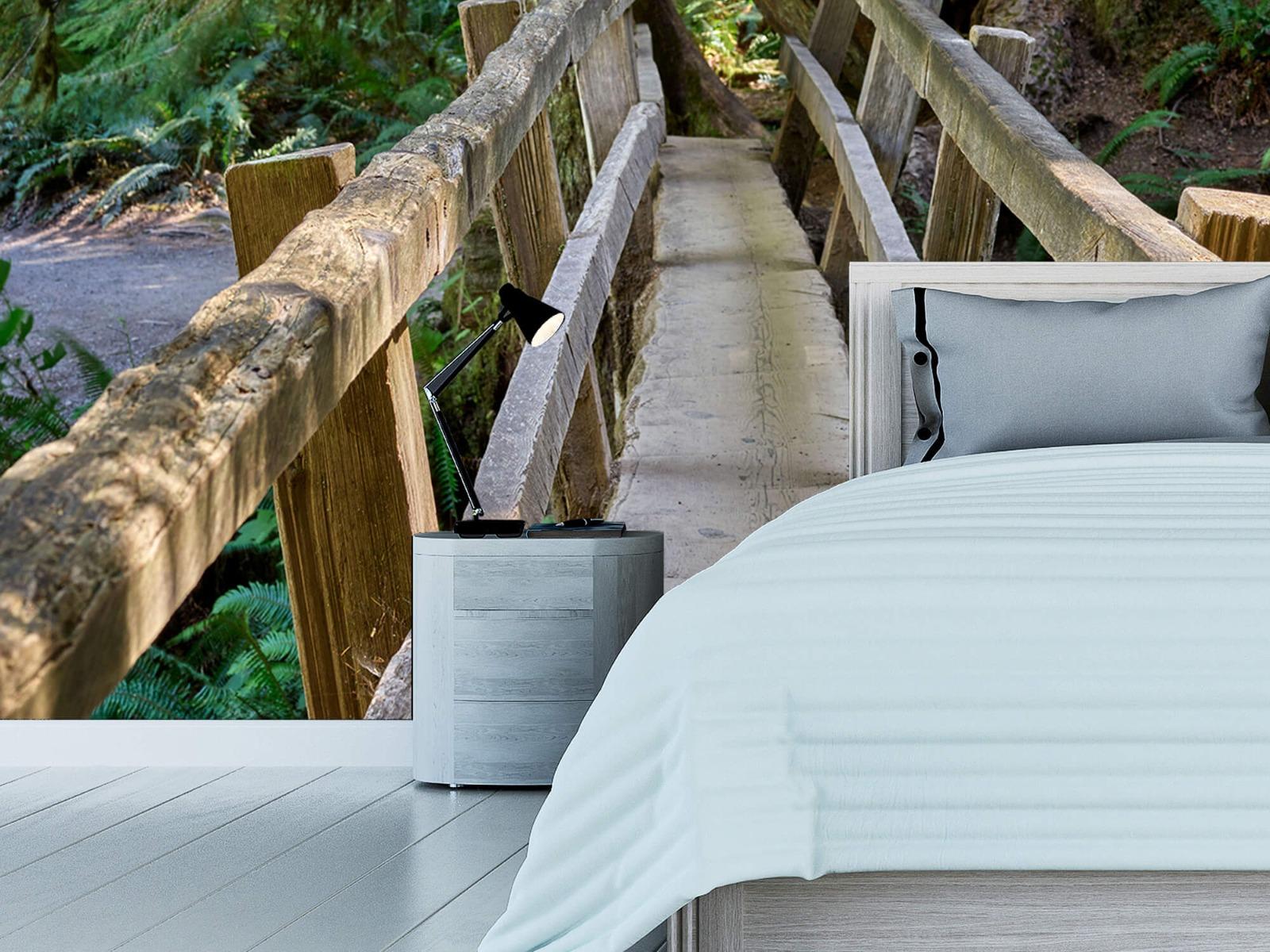 Landschap - Houten brug door het bos - Wallexclusive - Woonkamer 13