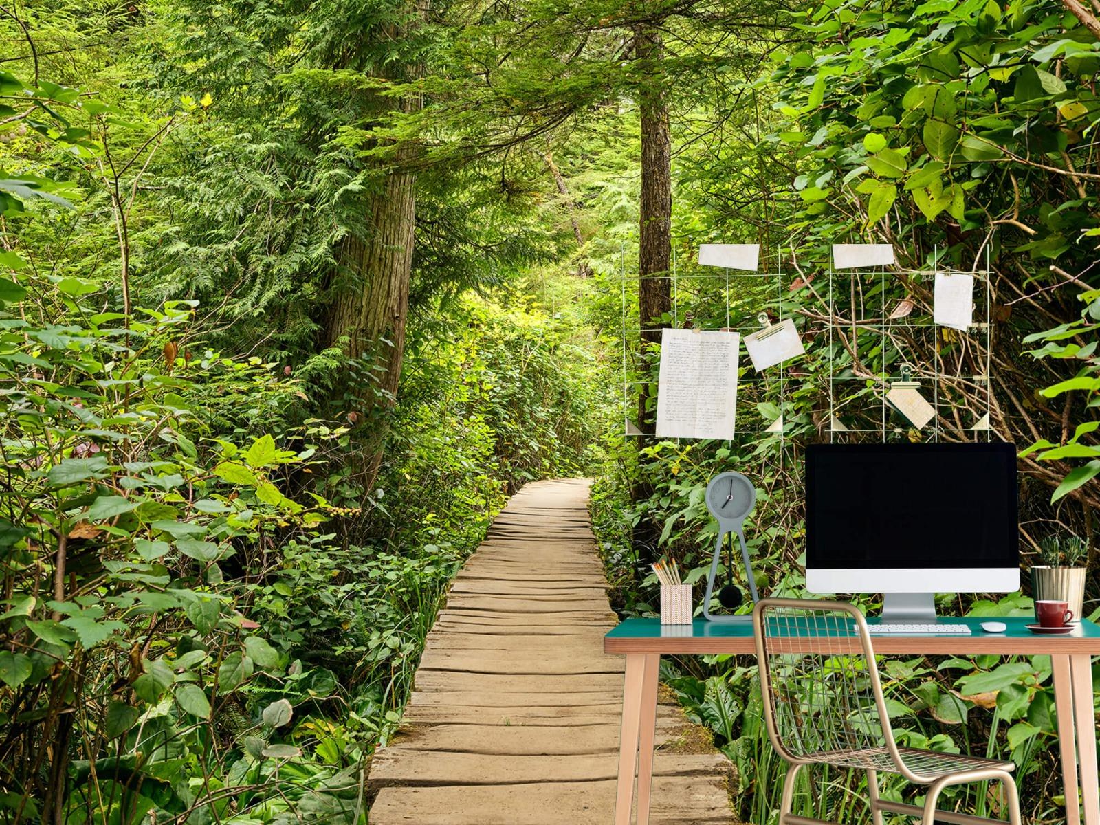 Bos behang - Houten pad door het groen - Slaapkamer 14