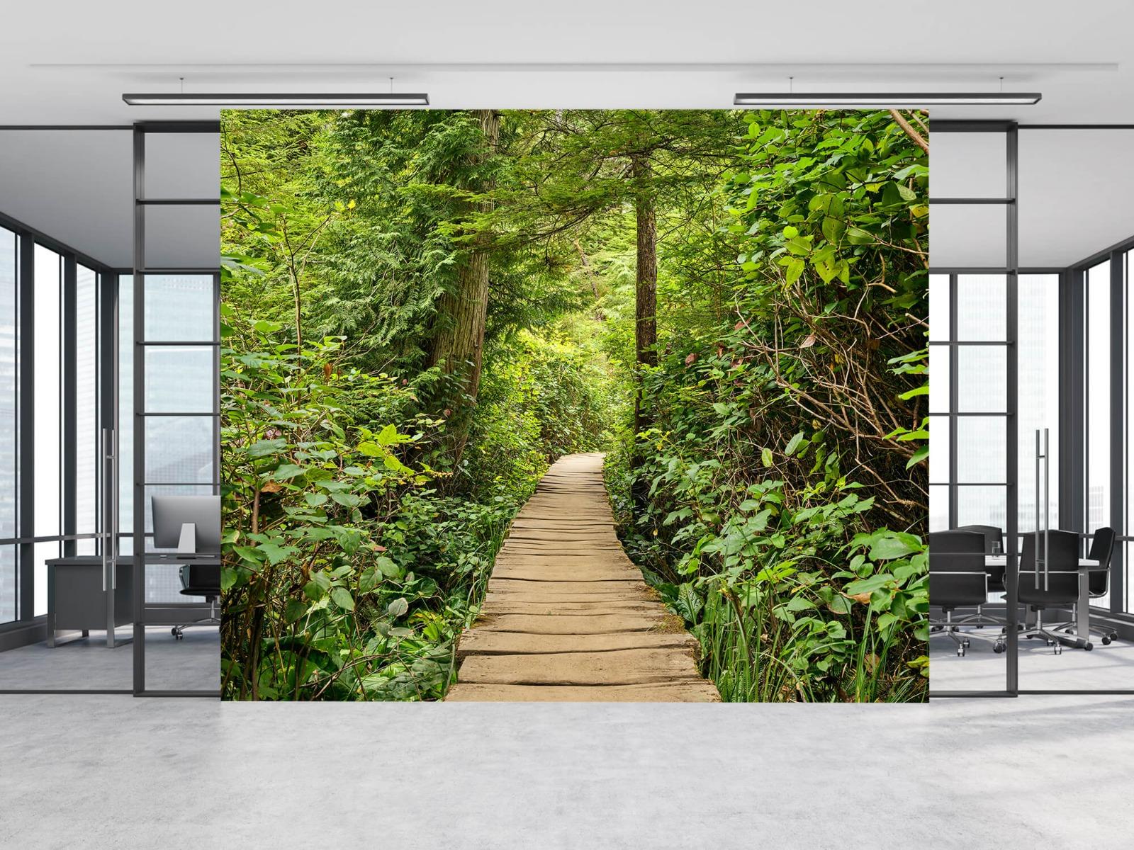 Bos behang - Houten pad door het groen - Slaapkamer 15