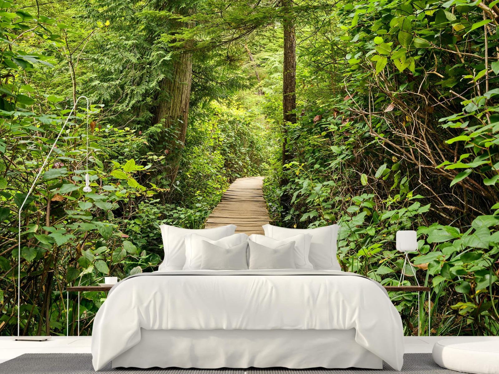Bos behang - Houten pad door het groen - Slaapkamer 20
