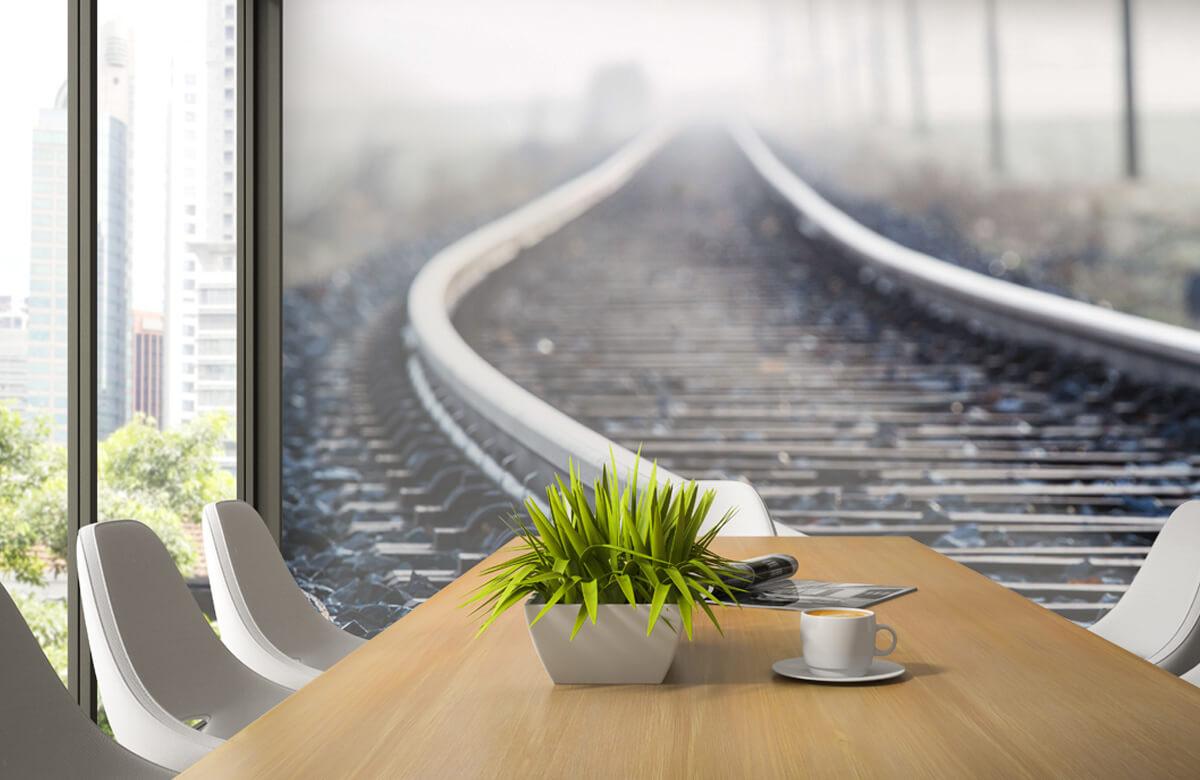 Transport Treinspoor in de ochtendnevel 3