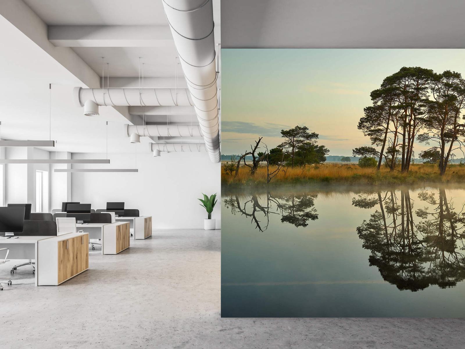 Natuur - Reflectie in bosven 21