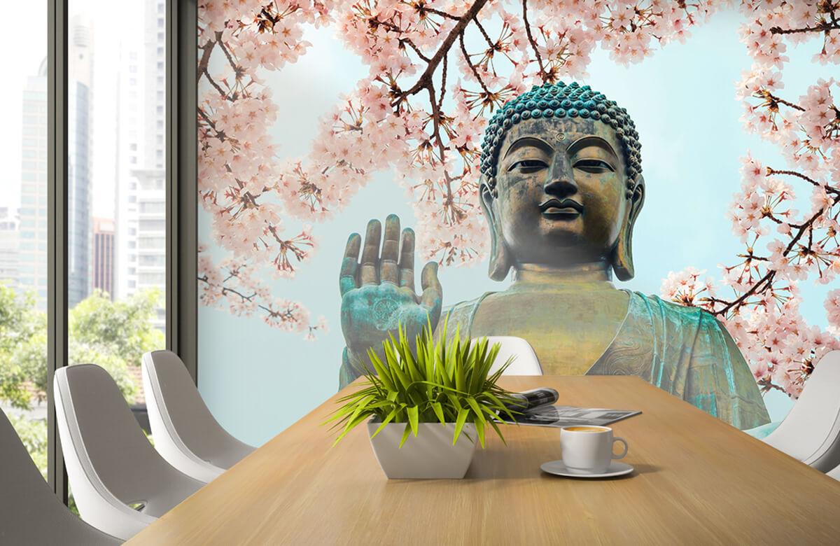 buddha Buddha omringd met kersenbloemen 1