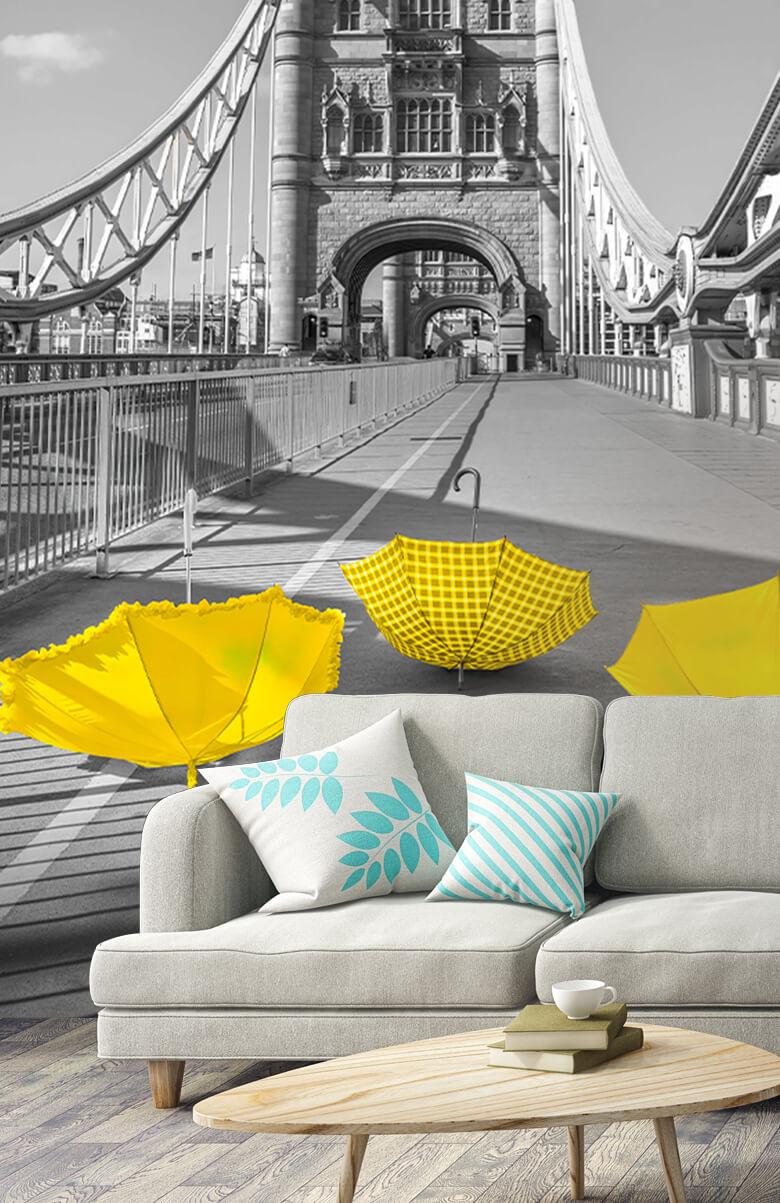 Gele paraplu's op Tower bridge 7
