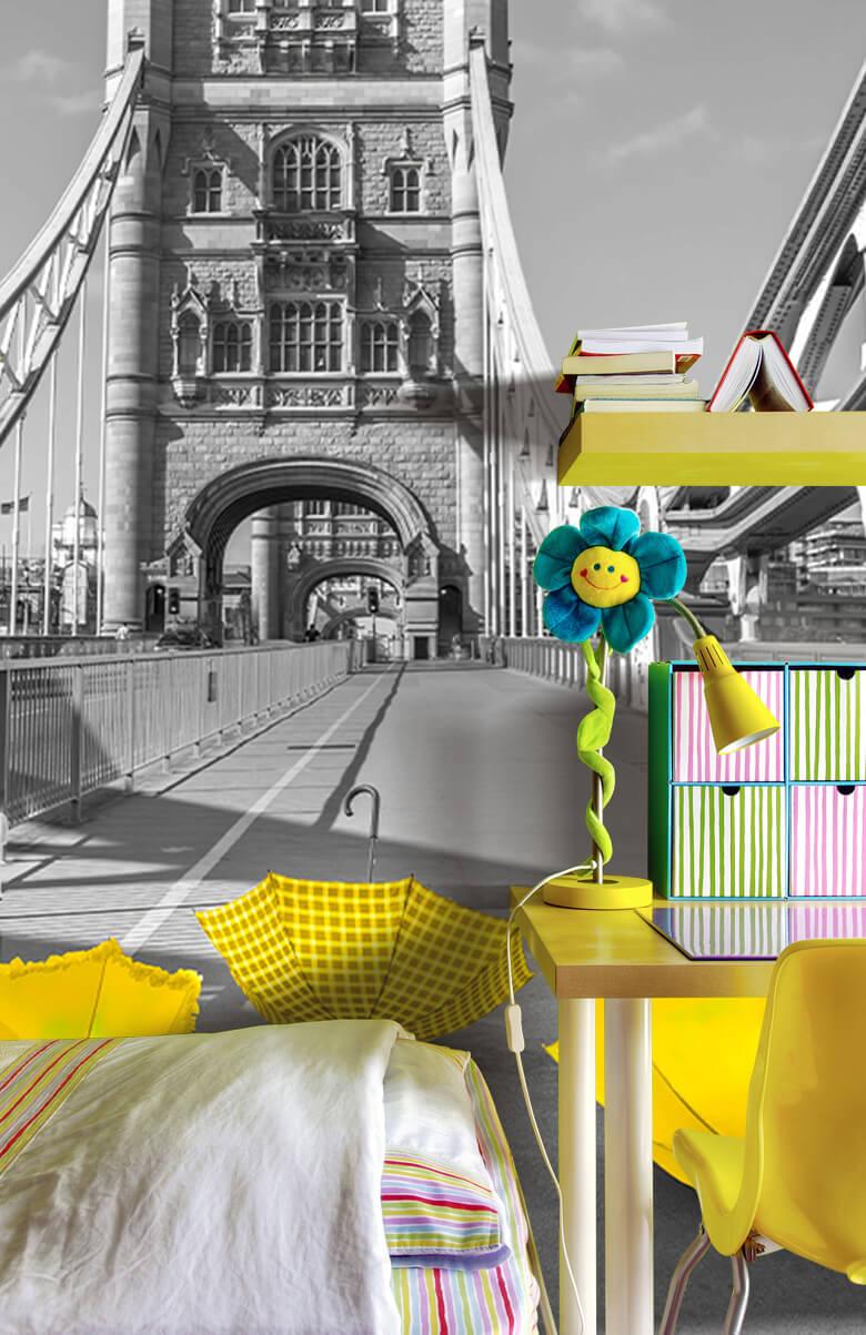 Gele paraplu's op Tower bridge 9