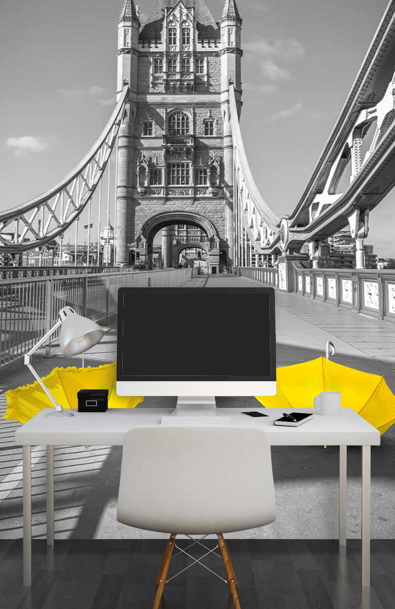 Gele paraplu's op Tower bridge 13