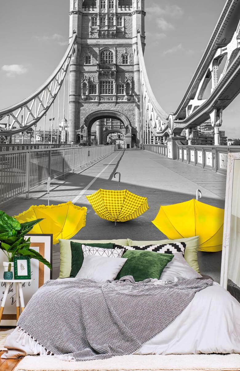 Gele paraplu's op Tower bridge 14